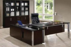 Formation-Executive-Desk