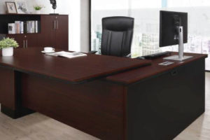 Gamania-Executive-Desk