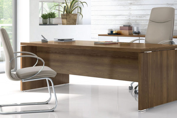 TAK-Executive-Desk